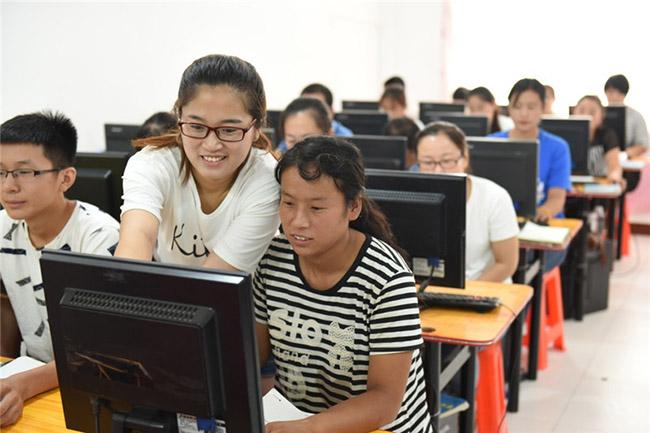 河北省景县帮助贫困群众增长就业技能